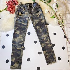 🧸5 FOR $30🧸 SUKO GIRL Camo Patch Pants - 7